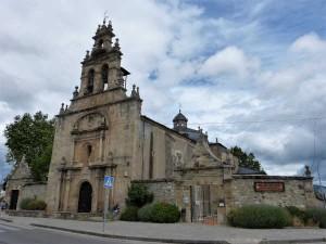 Iglesia y albergue de peregrinos del Camino de Santiago